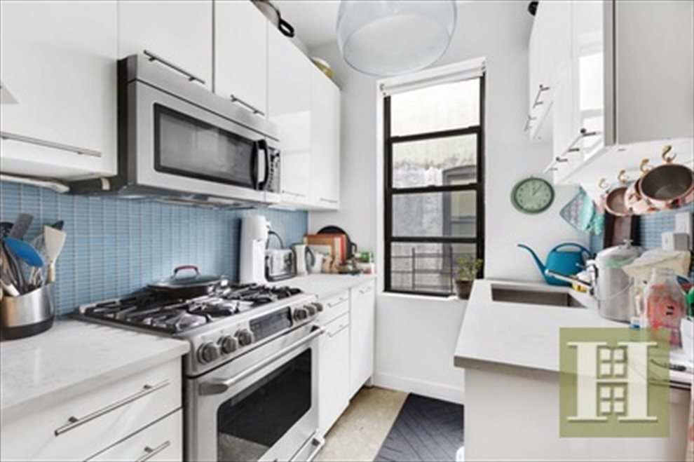 New York City Real Estate | View 8th Avenue | room 4
