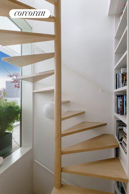 Circular Stairs to Roofdeck