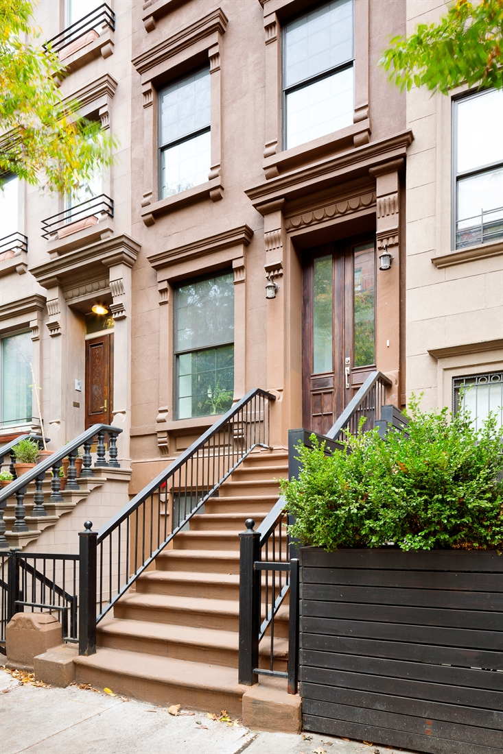 Corcoran 154 west 132nd street harlem real estate for Townhouses for sale in harlem