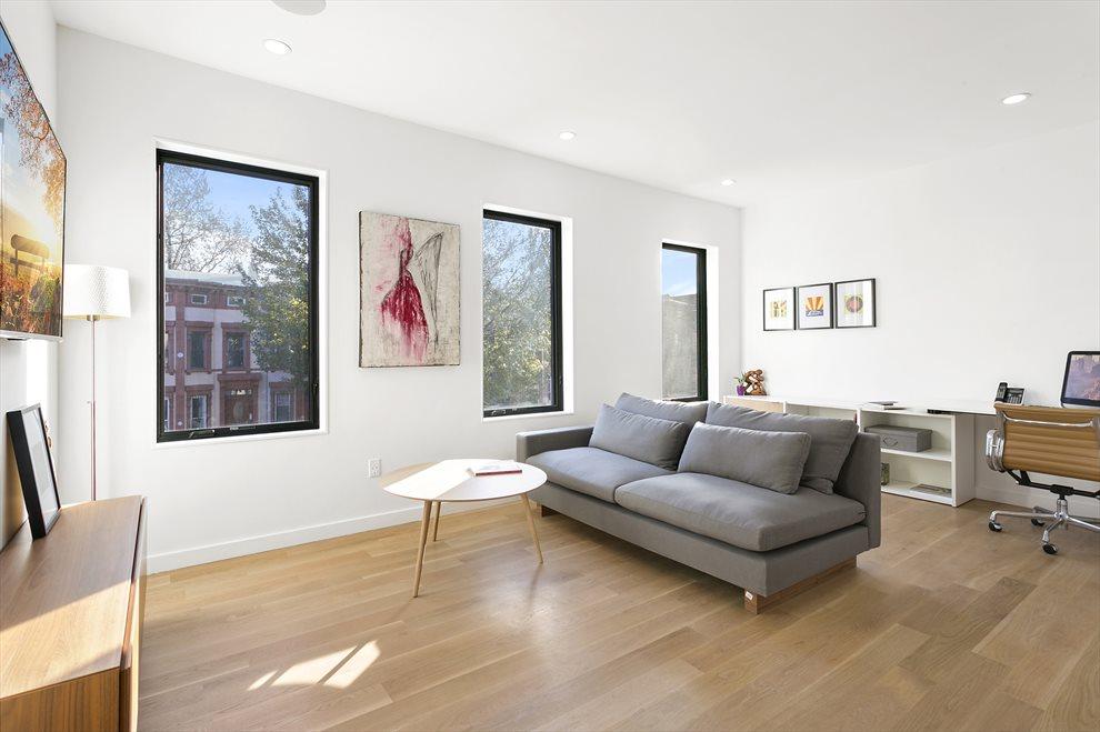 Additional Living Room