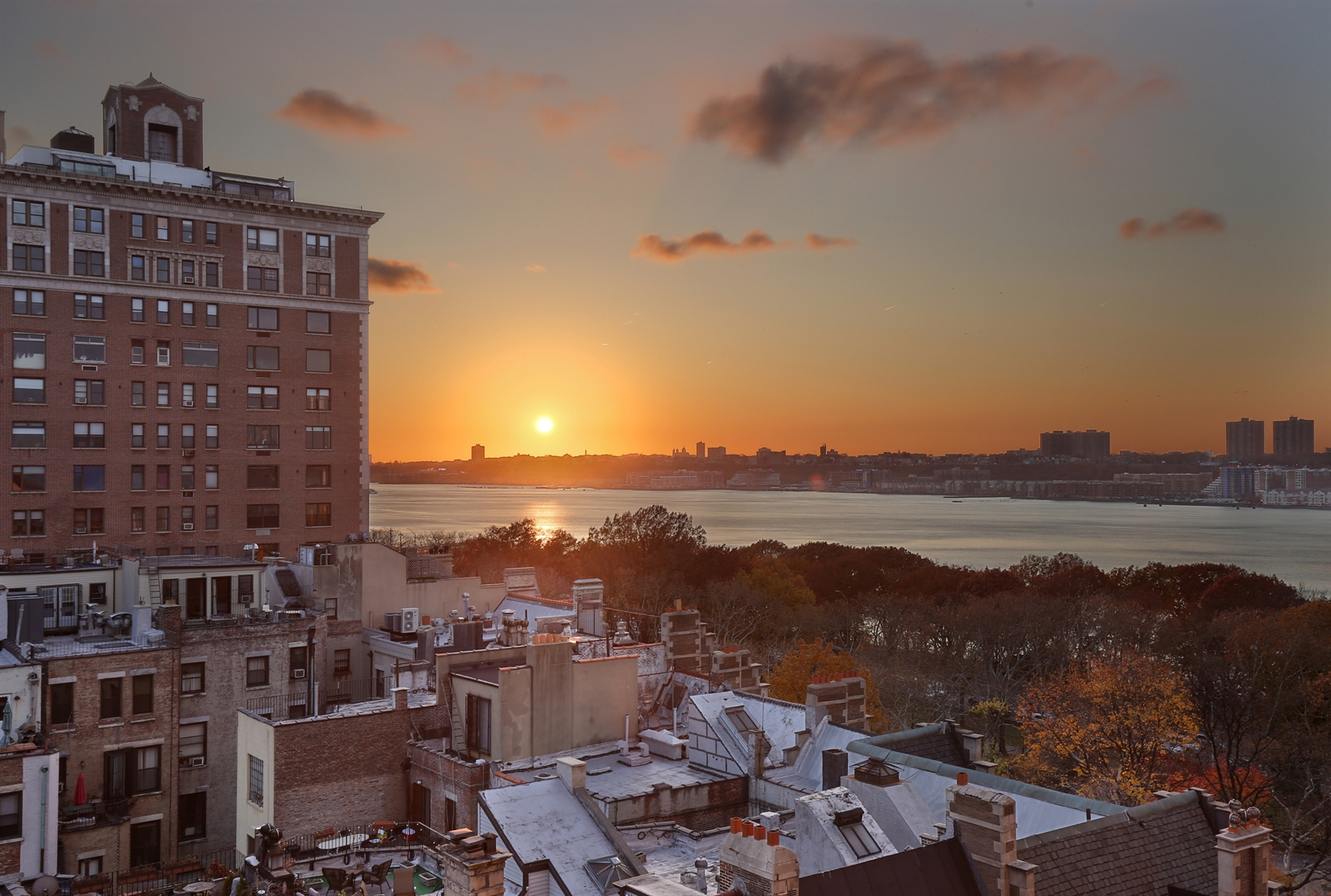 50 Riverside Drive, 10D, Hudson River and open city views