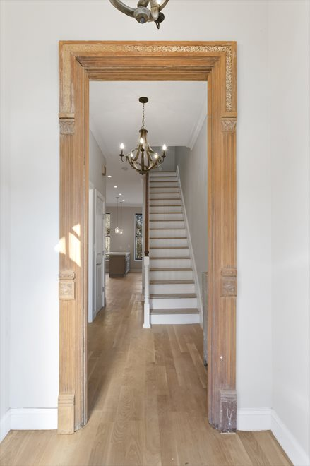 Beautiful foyer with 2 doors!