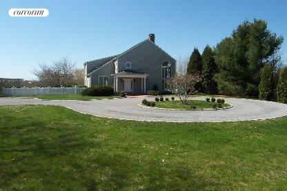 Bridgehampton, Private Entrance