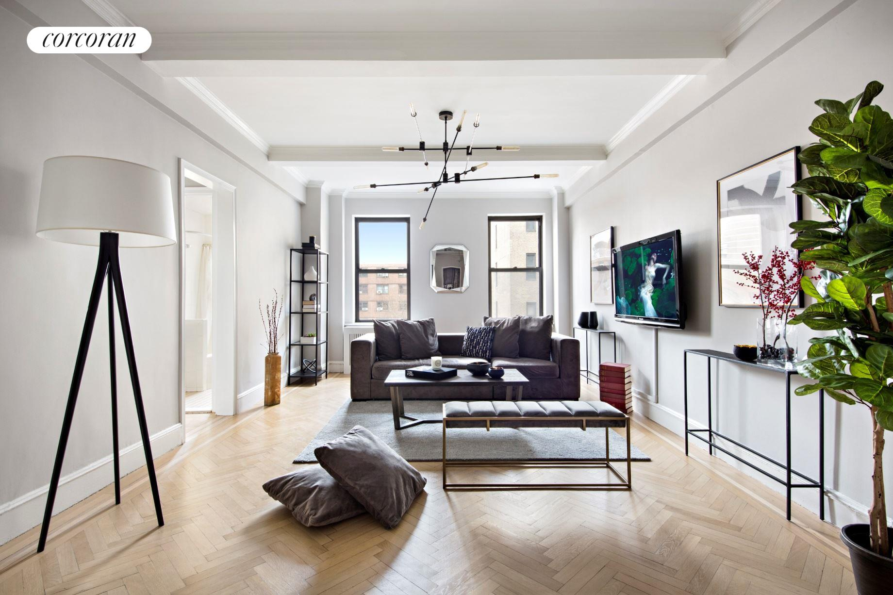 124 West 93rd Street, 6B, Living Room