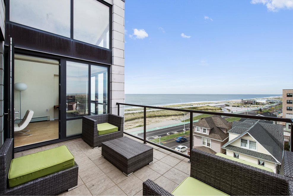 New York City Real Estate | View Shore Front Pkwy | room 2