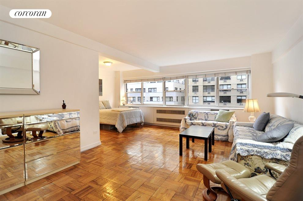New York City Real Estate | View 333 East 46th Street, #12C | 1 Bath