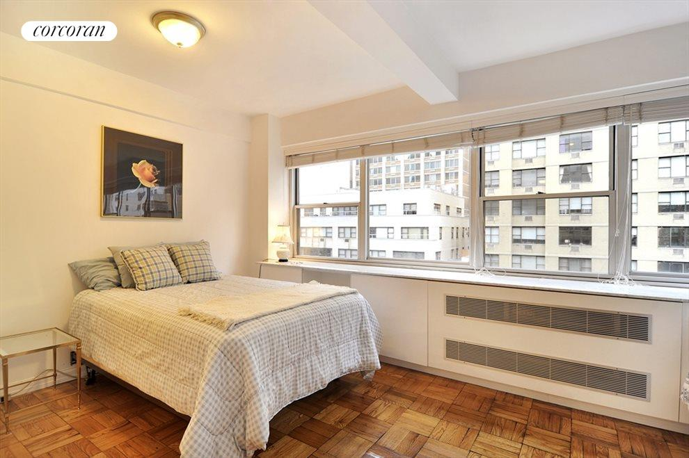 New York City Real Estate | View 333 East 46th Street, #12C | room 3