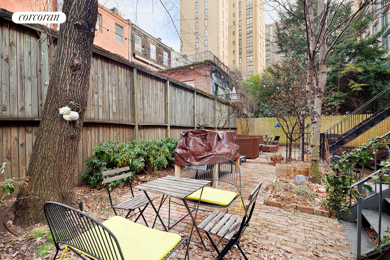 219 West 14th Street, 2RW, Semi-Private Garden