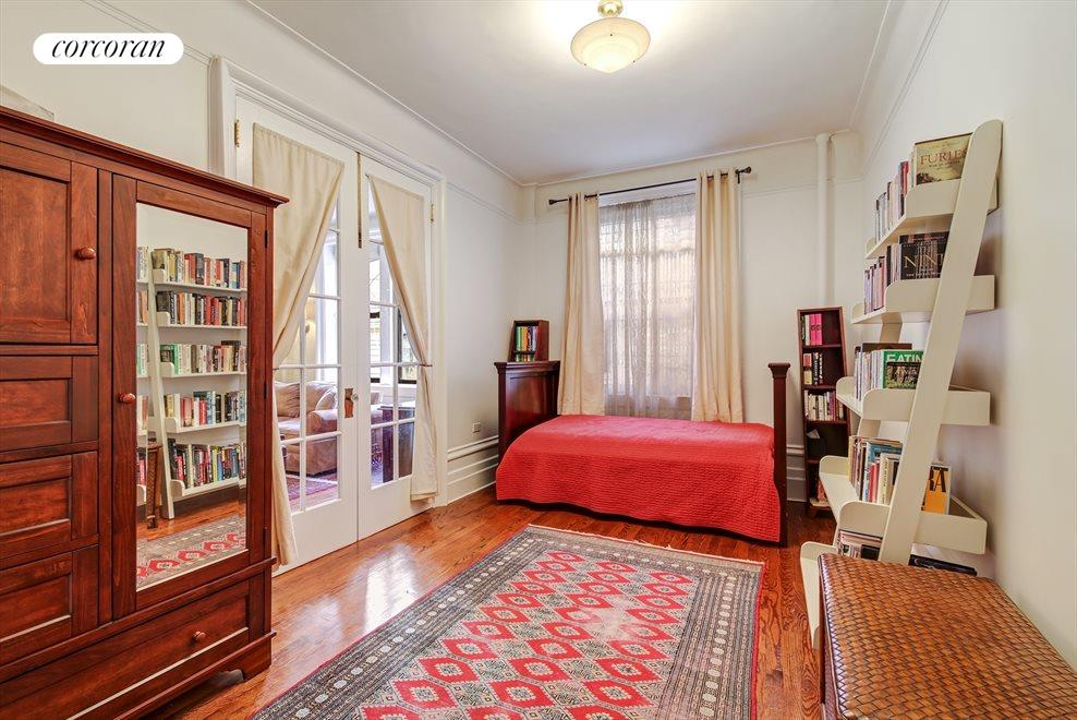 Bedroom/Library