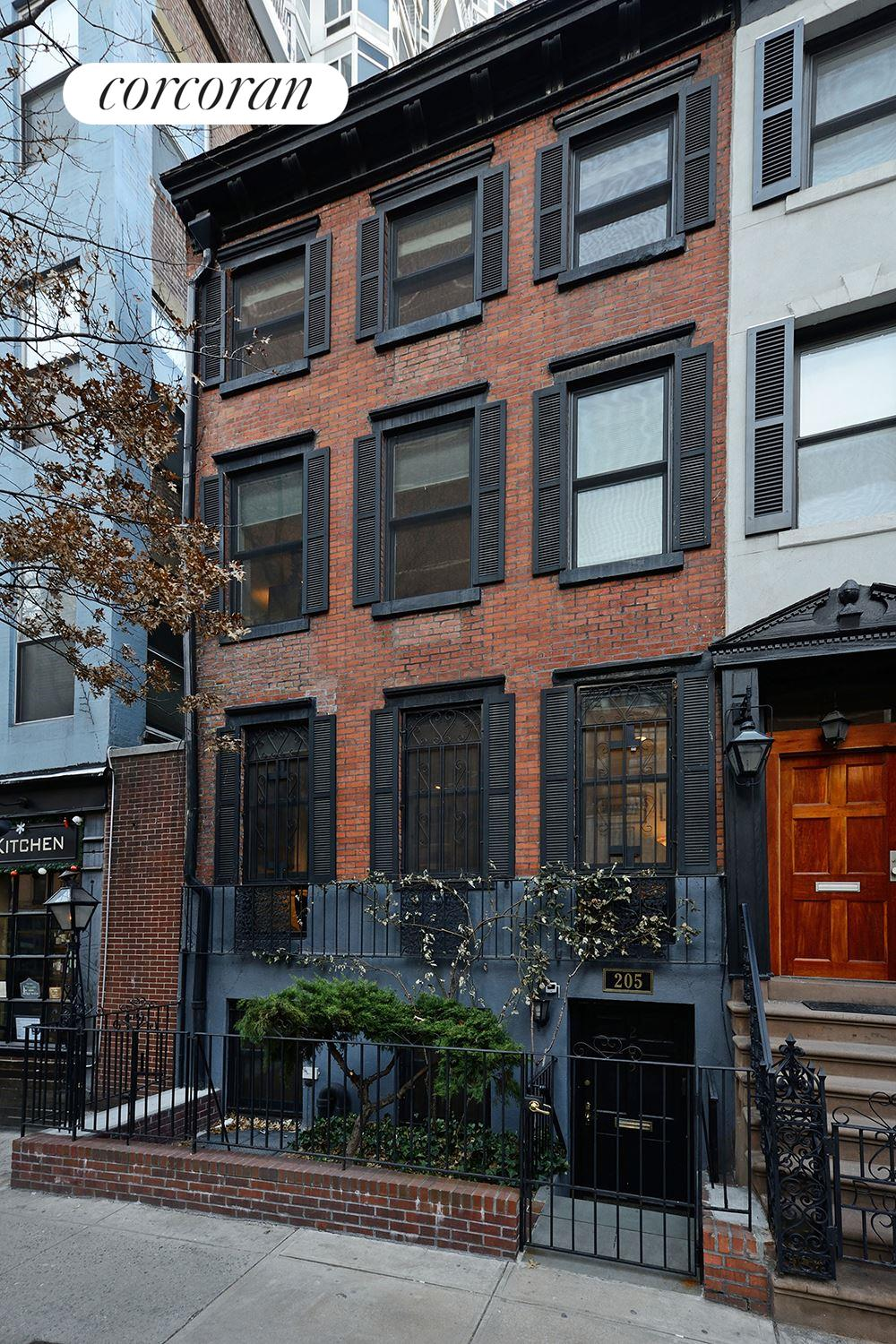 205 East 31, South exposure