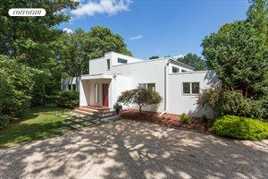 17 Elizabeth Lane, Quogue