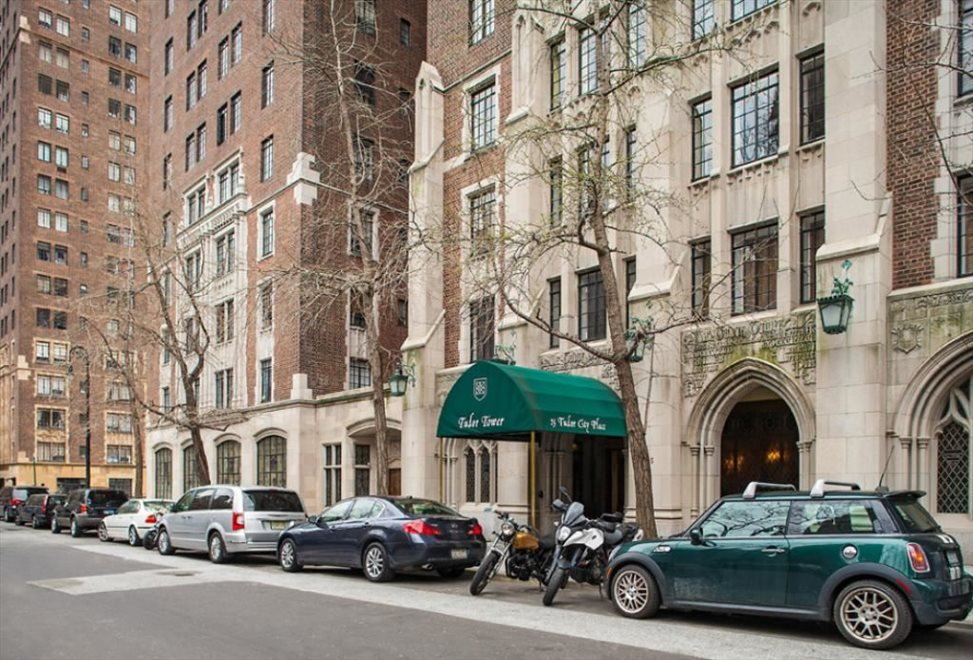 25 Tudor City Place enclave
