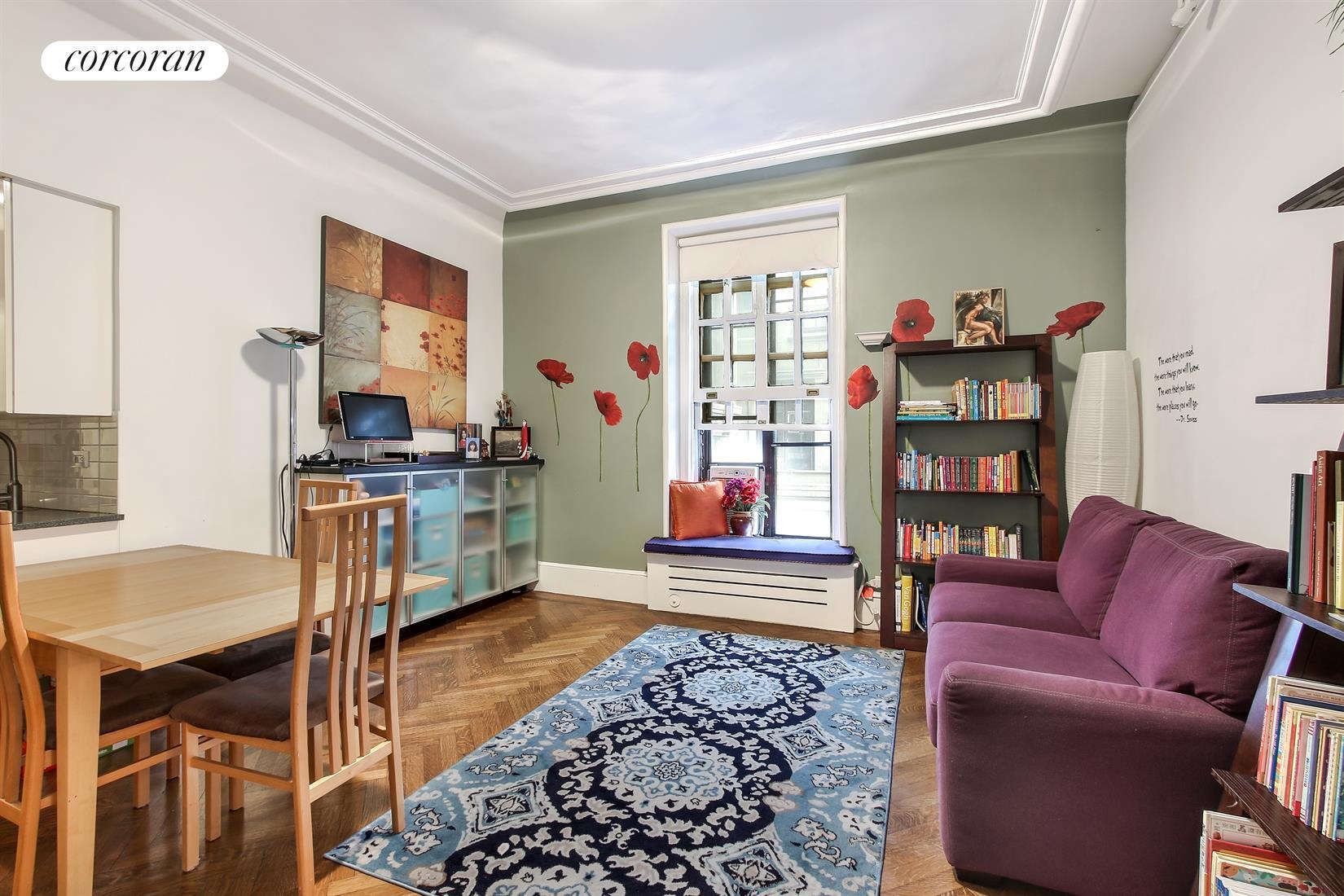 2109 Broadway 15 160 Living Room