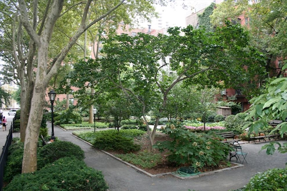 Beautiful Tudor City Park