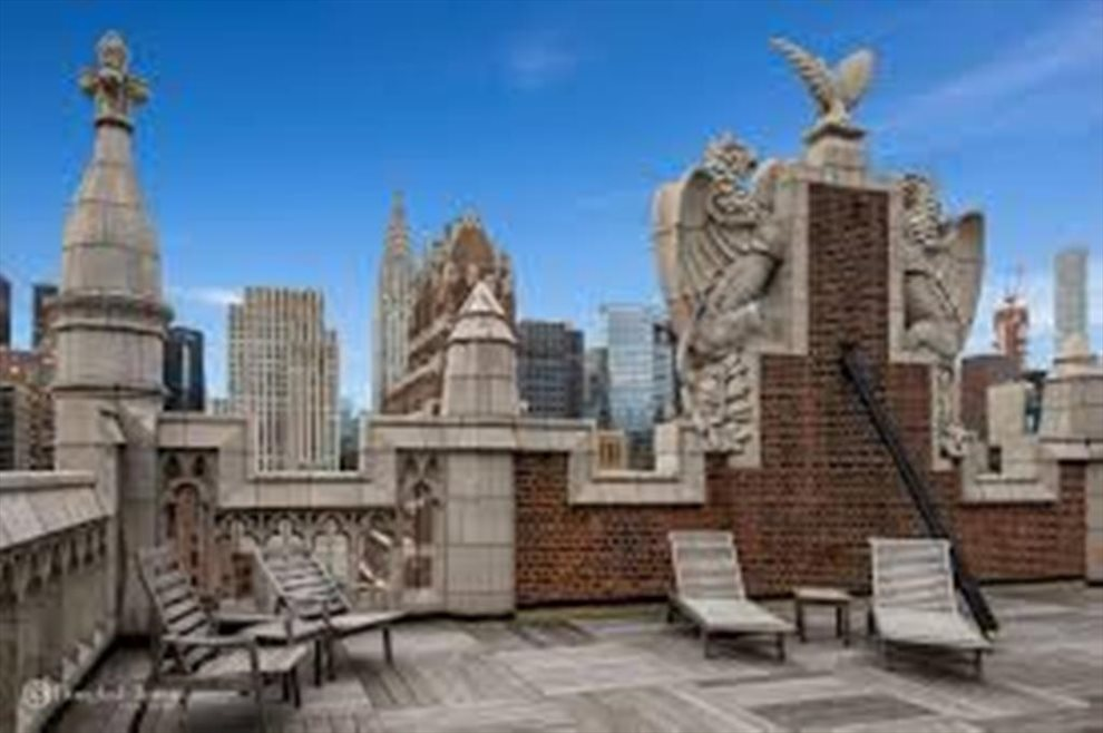 Spectacular Roof Deck Panoramic City, River Views