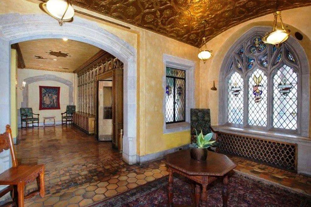 Classic 25 Tudor Place Lobby