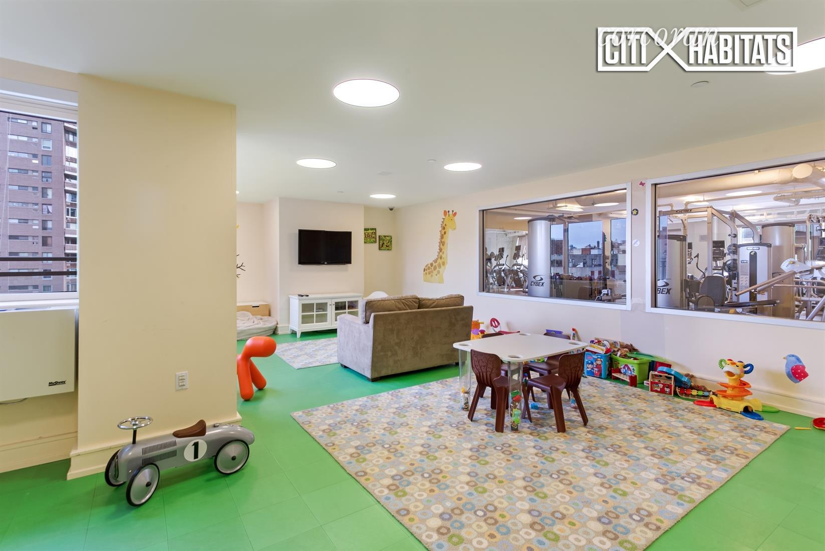 1280 Fifth Avenue Interior Photo