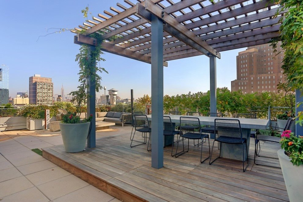 Outdoor Kitchen and Dining on roof terrace