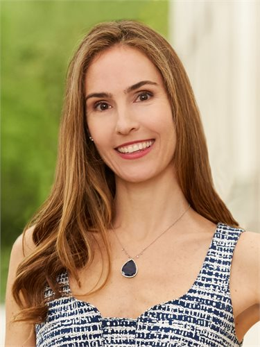 Jennifer Roth, a top realtor in New York City for Corcoran, a real estate firm in West Side.