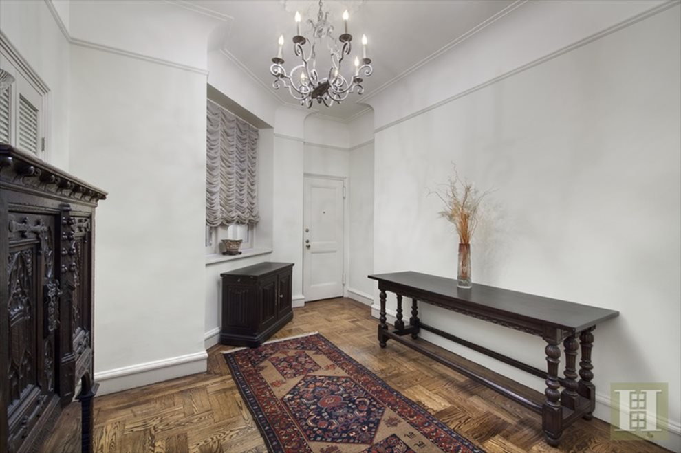 New York City Real Estate | View West 58th Street | room 2