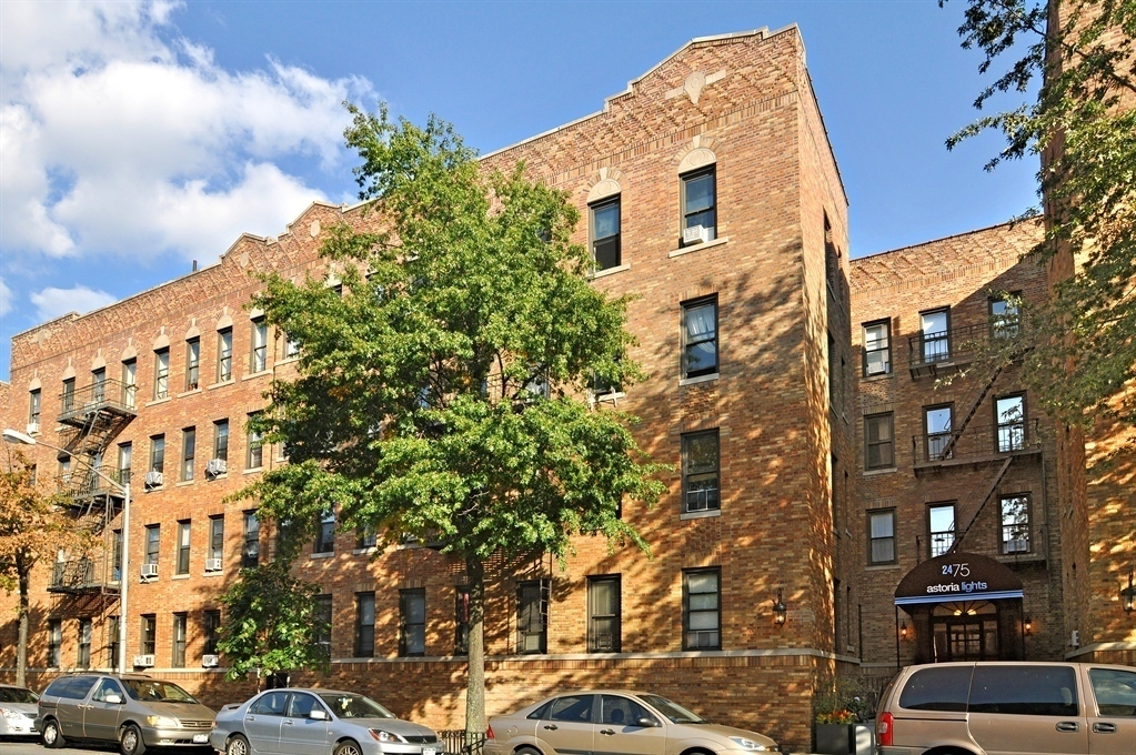 24-51 38th Street, C5, Office