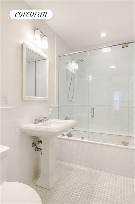 New York City Real Estate | View 215 West 88th Street, #10G | Second full bathroom with deep soaking tub