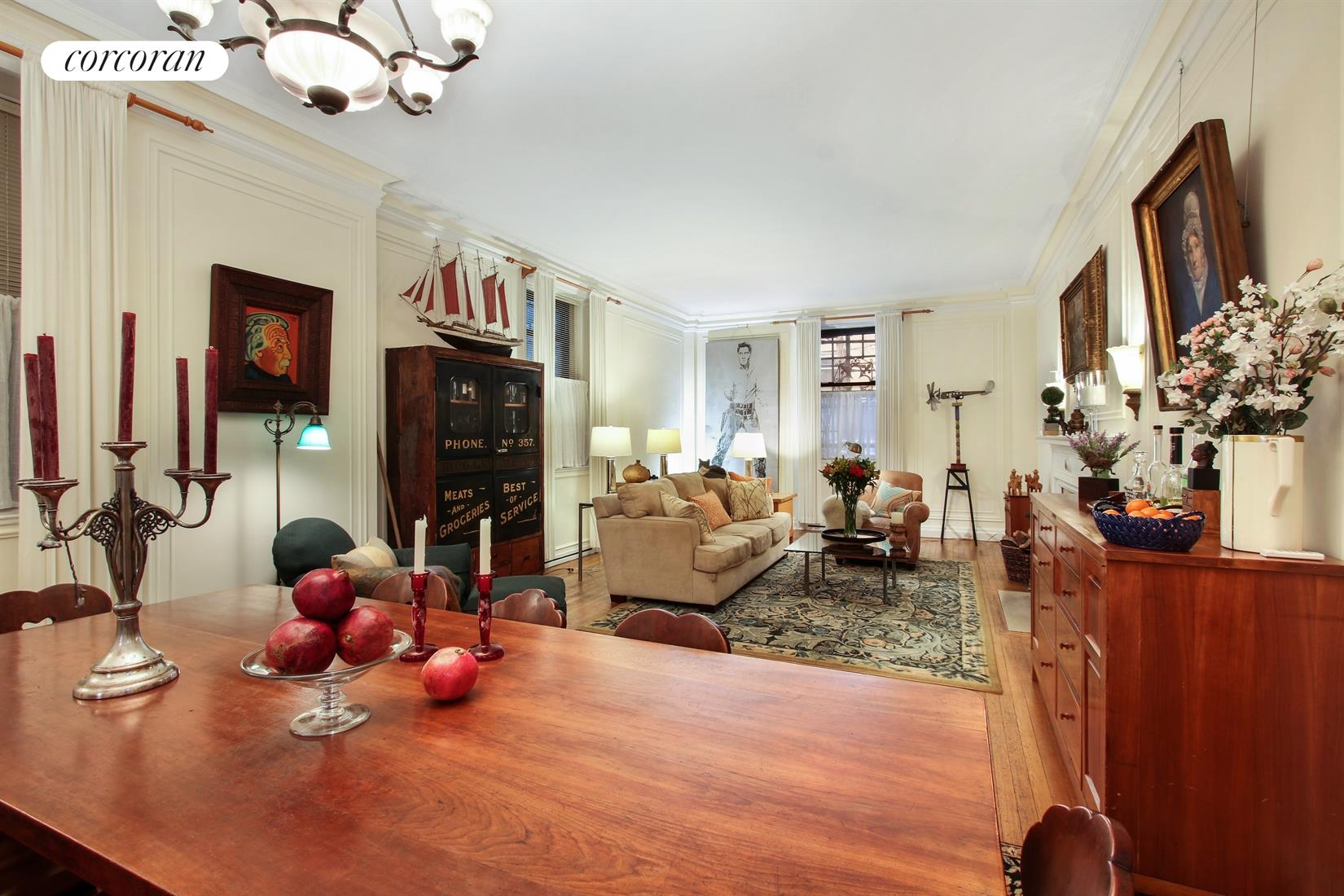 205 West 89th Street, 1H, Grand-scaled Living/Dining Room