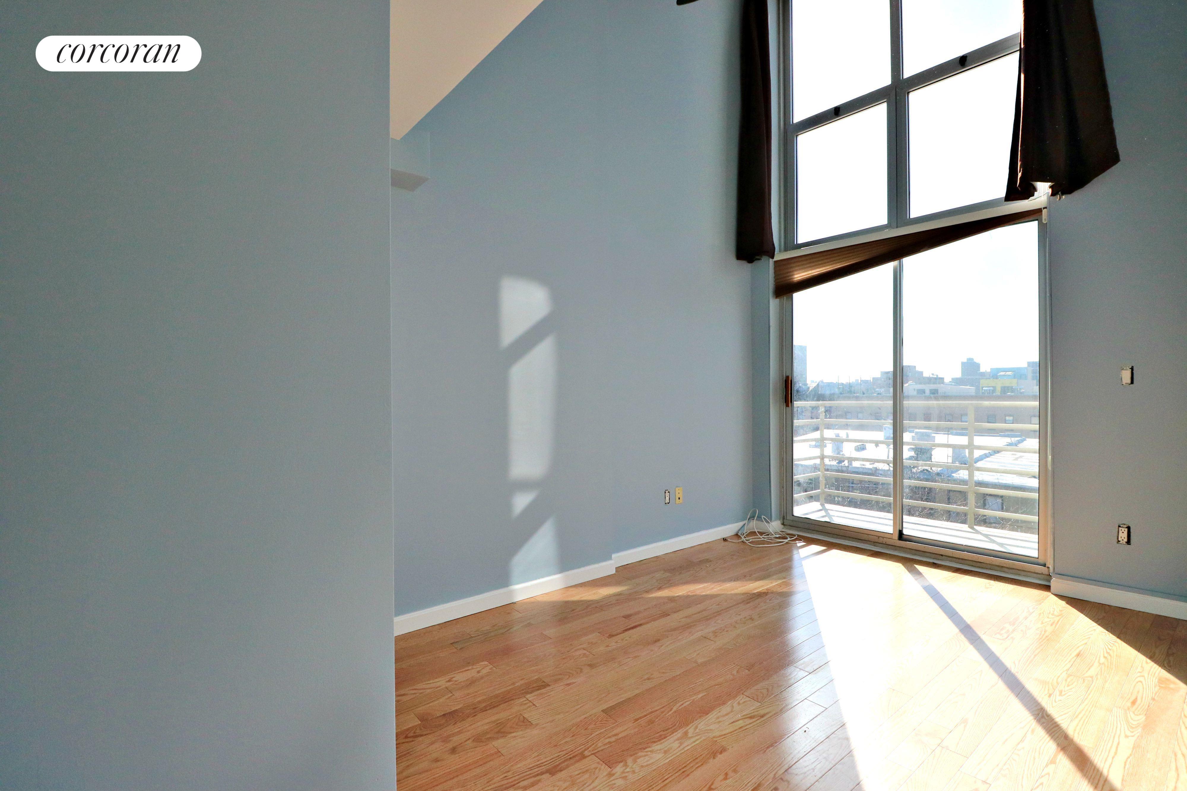 196 Scholes Street, 4B, Living Room