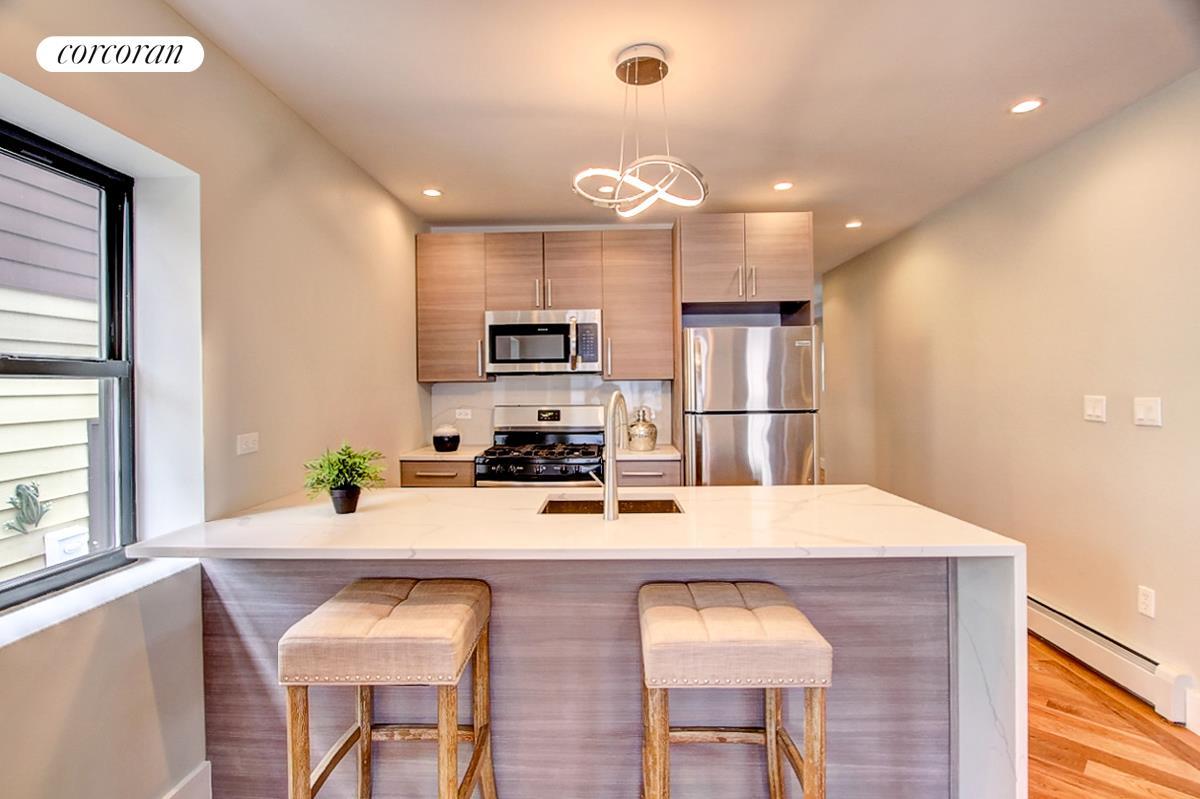 25 24 Curtis Street, Kitchen