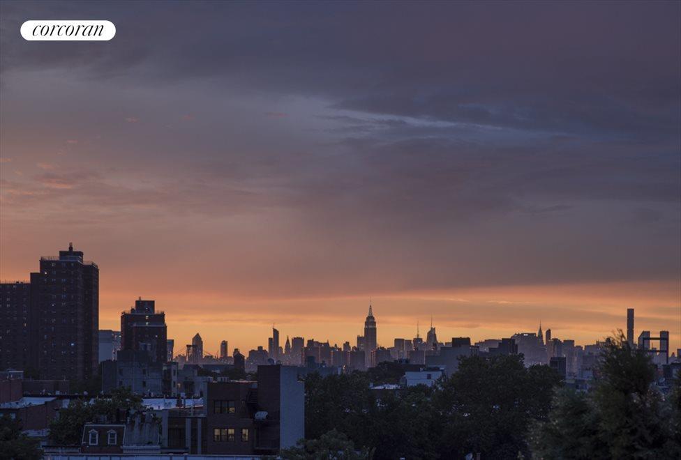 Gorgeous sunsets of the Manhattan skyline...