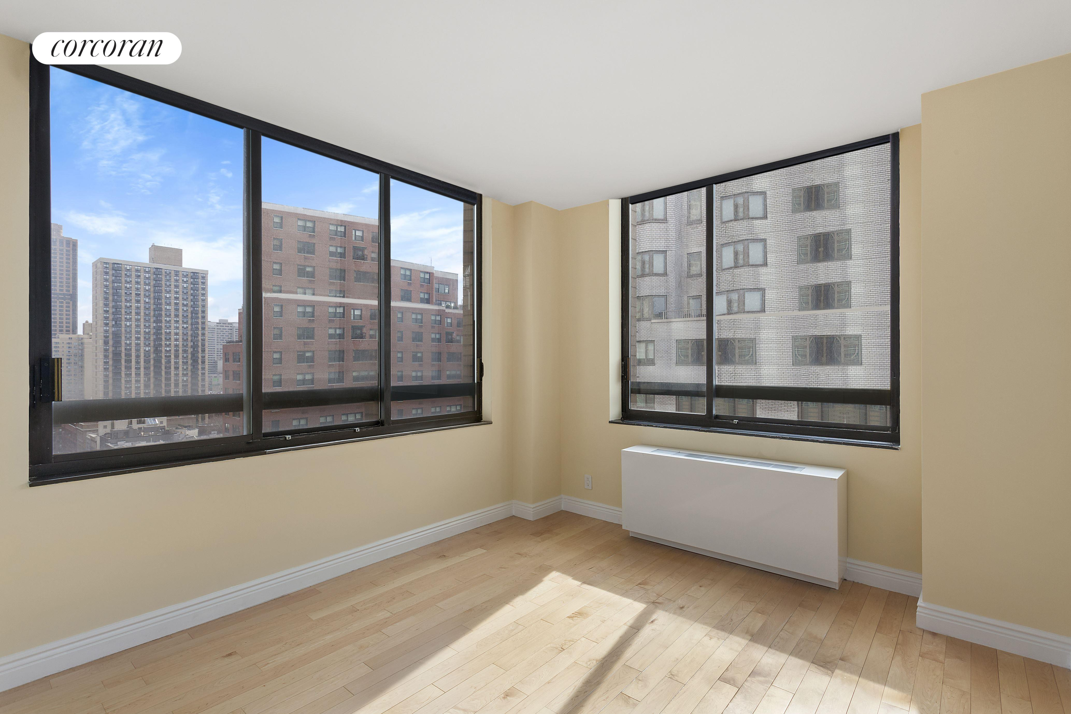 171 East 84th Street, 14J, Living Room