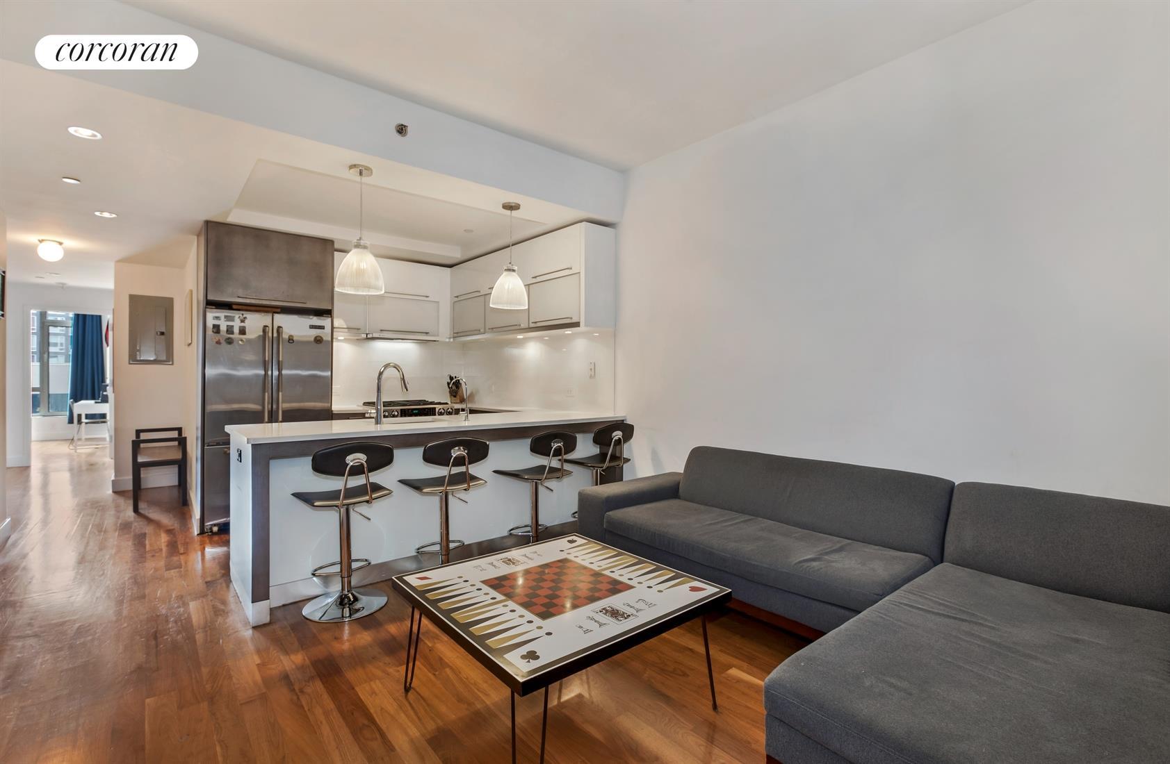 214 North 11th Street, 4K, Living Room / Kitchen