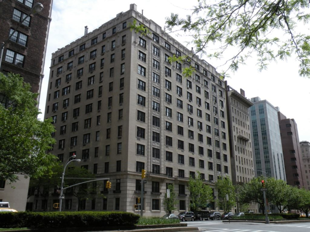 Upper East Side, Front View