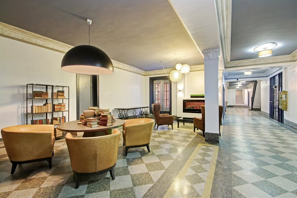 Classic Pre-war lobby with sitting area