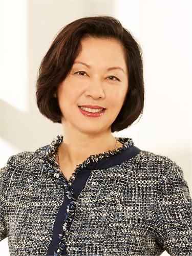 Nailin Hou, a top realtor in New York City for Corcoran, a real estate firm in Union Square.