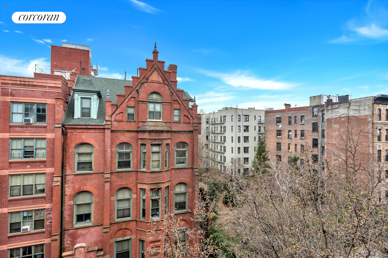 625 East 6th Street, 8, High ceilings with beautiful views
