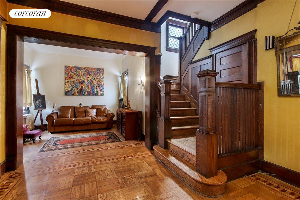 Rich wood details and real parquet floors
