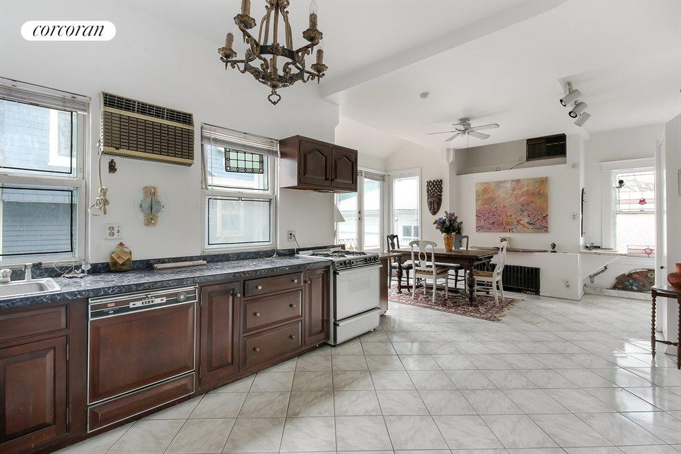 Enormous eat -in kitchen