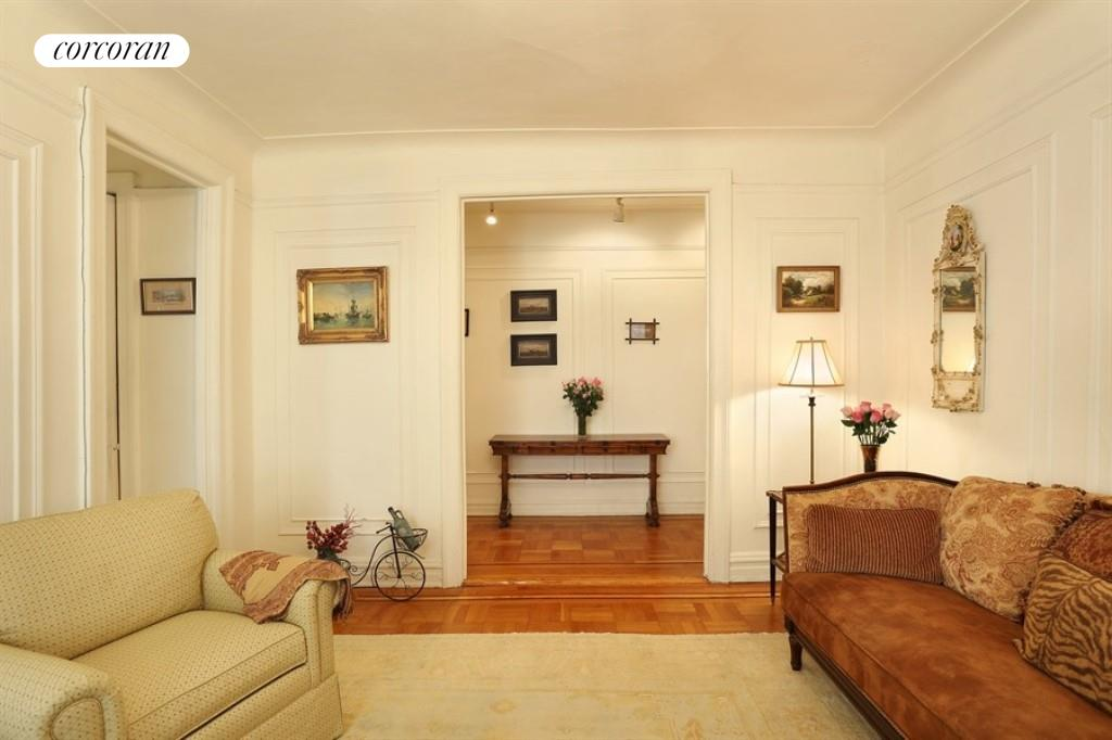 70 HAVEN AVE, 6F, Living Room