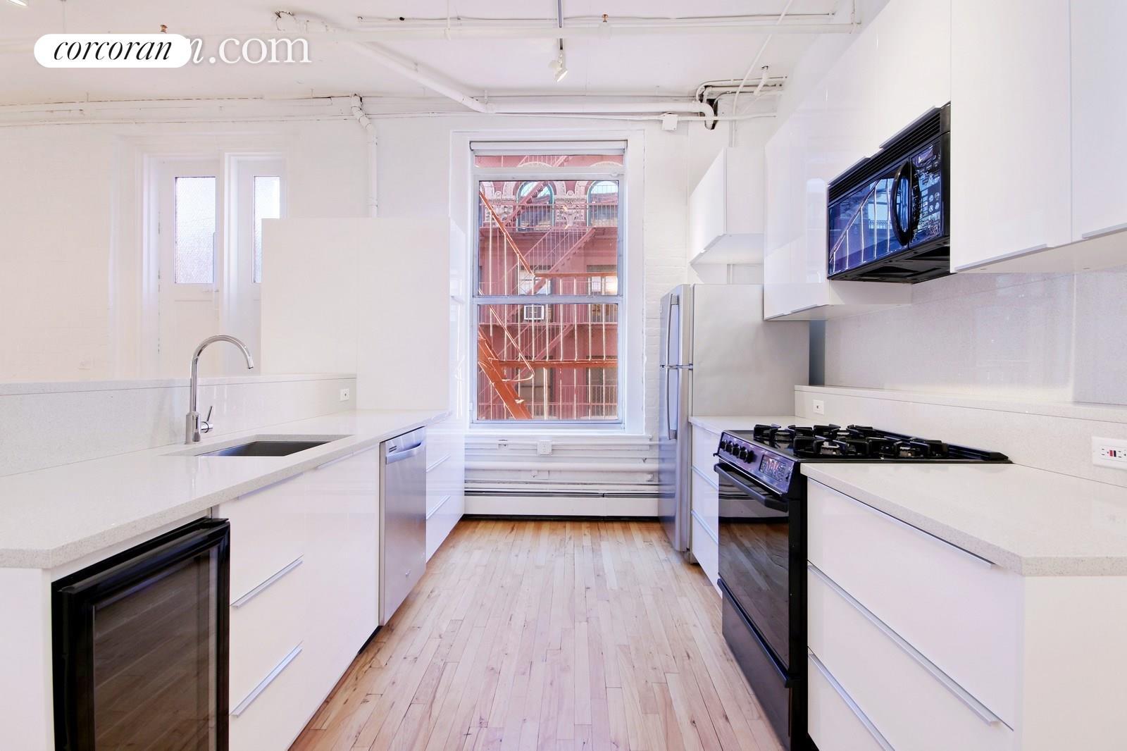 Corcoran, 132 WOOSTER ST, Apt. 3rd Floor, Soho/Nolita Rentals ...