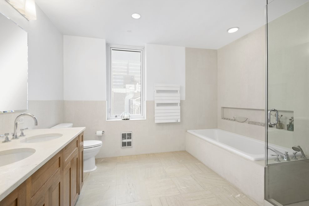 New York City Real Estate | View 8 Union Square South, #6B | room 4