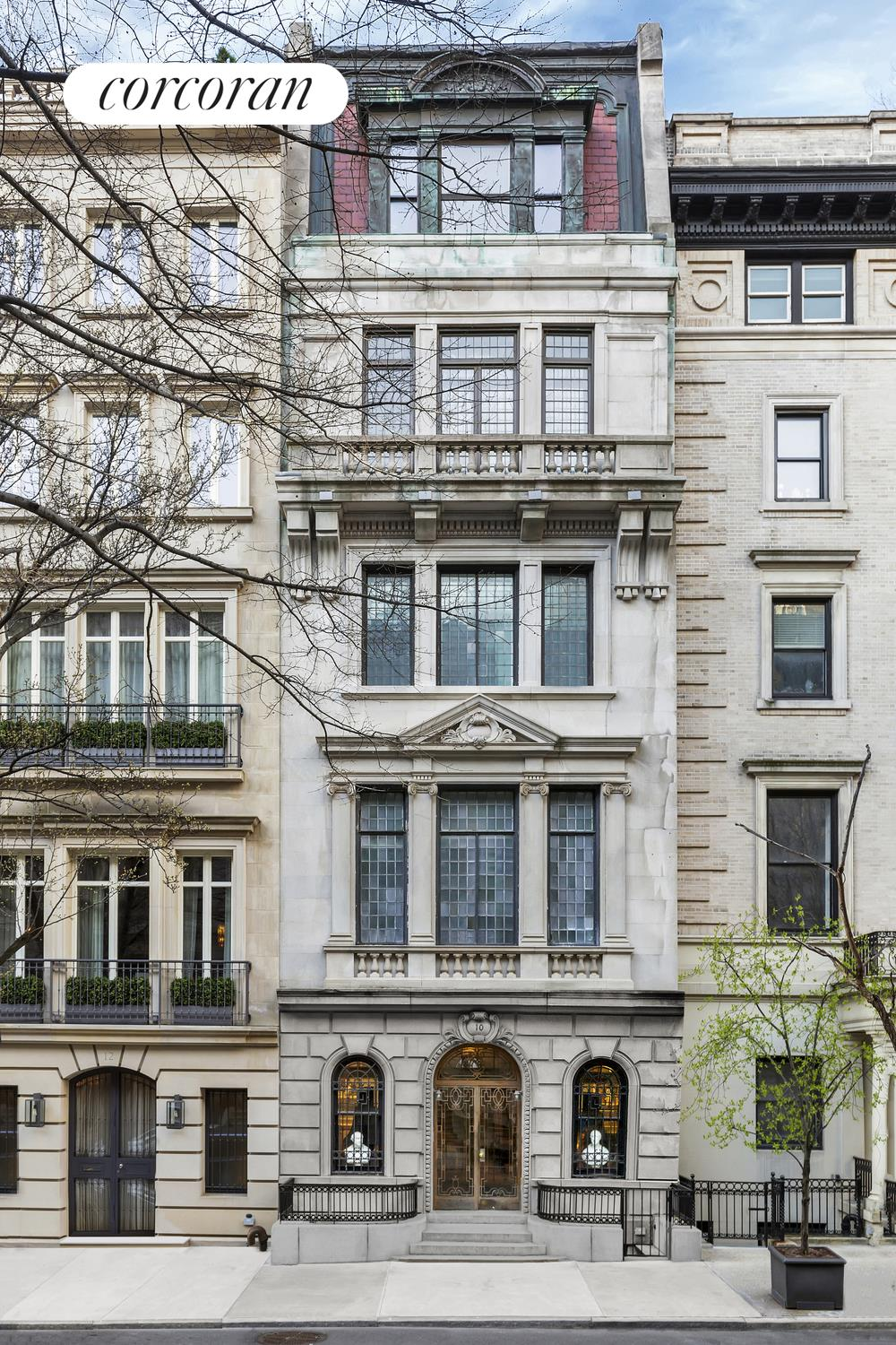 10 East 76th Street, Building Exterior