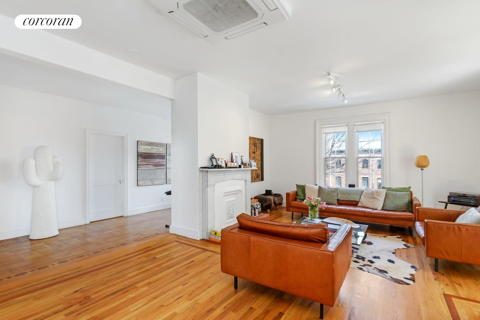 158 South Oxford Street, 2, Living Room