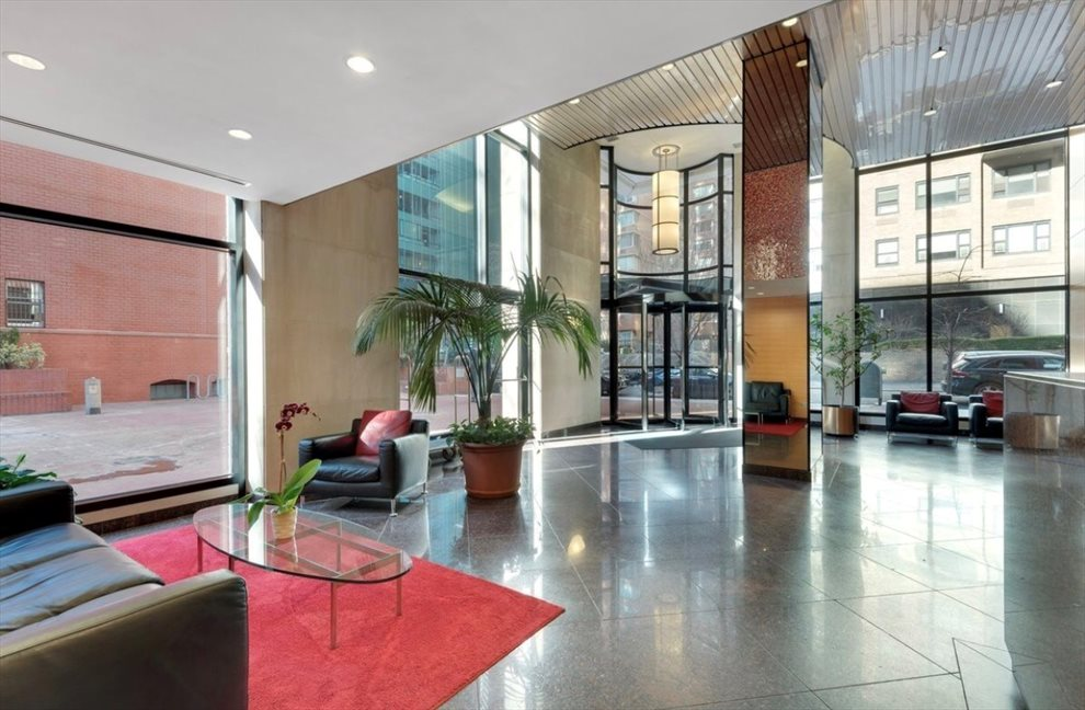 The Highpoint Apartment Building | View 250 East 40th Street | Highpoint-Lobby