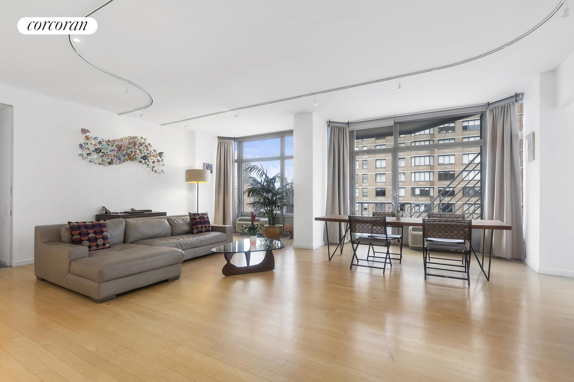 200 East 32nd Street, 22CD, Living Room