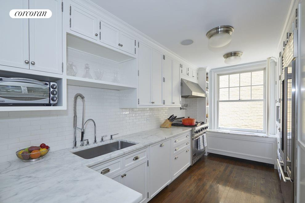 New York City Real Estate | View 60 Gramercy Park North, #16B | Kitchen