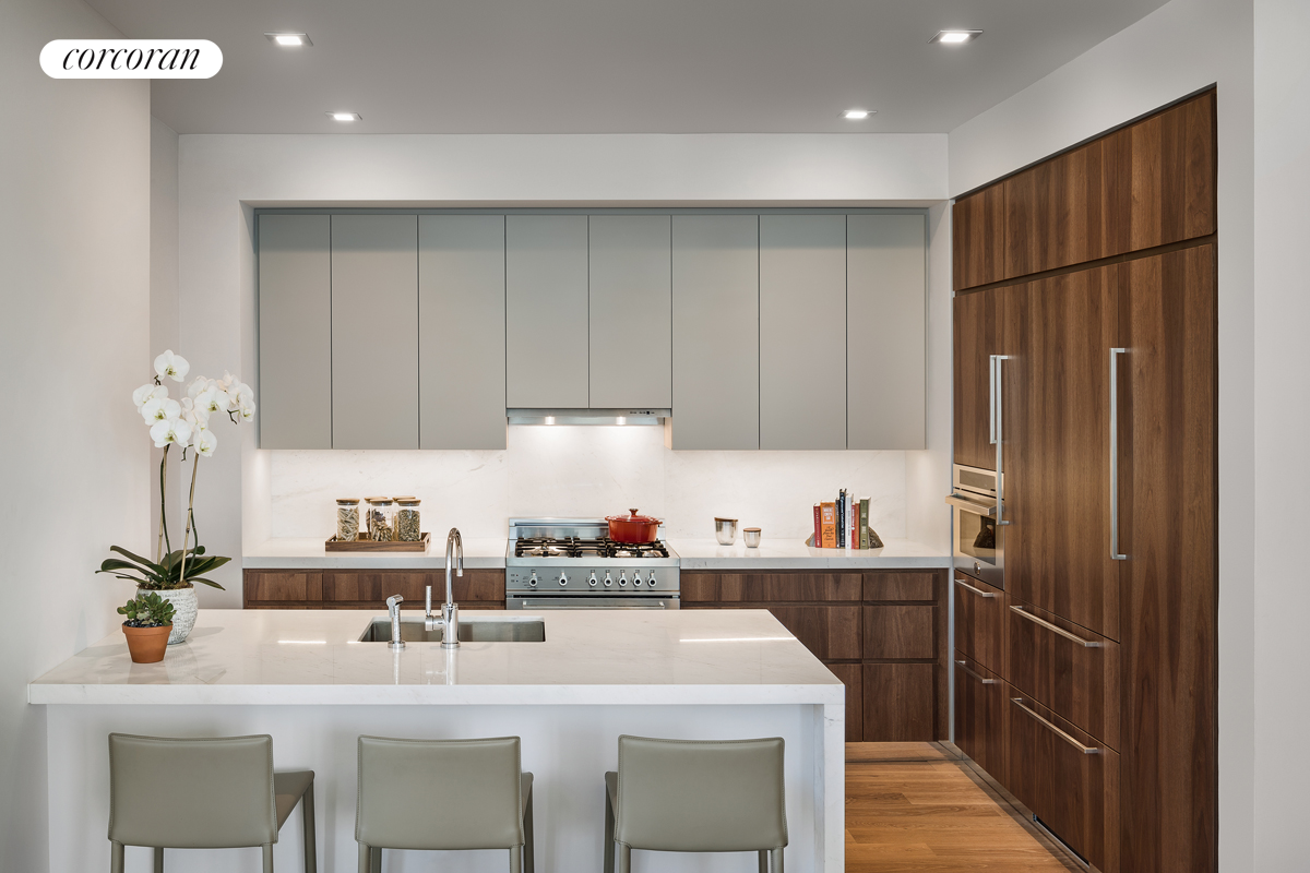 360 East 89th Street, 18C, Open Kitchen