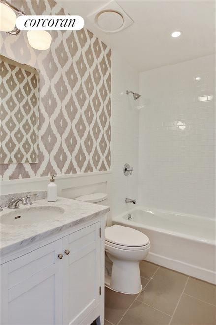 Wallpapered Full Bath