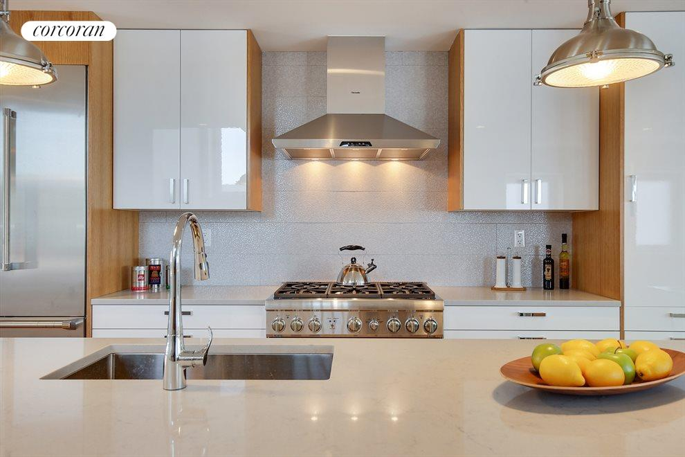 Sleek kitchen with Caesarstone countertops