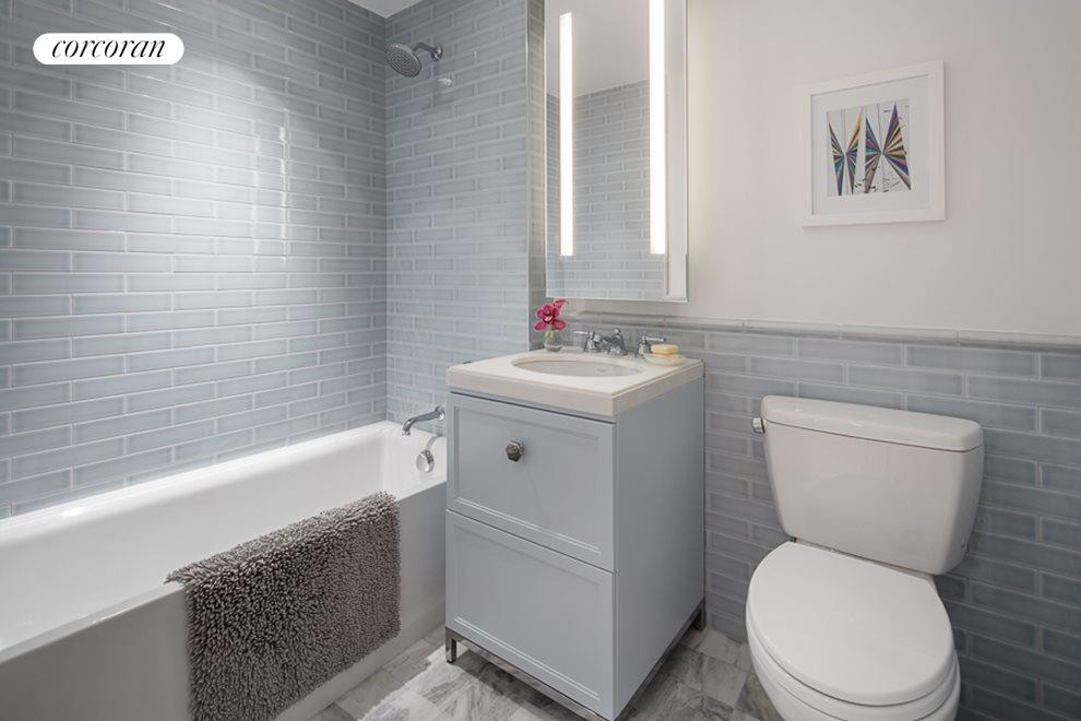 En-suite Secondary Bath